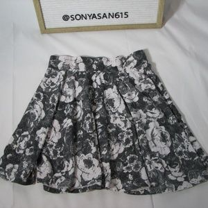 Pins and Needles Skirt Black White Floral Small